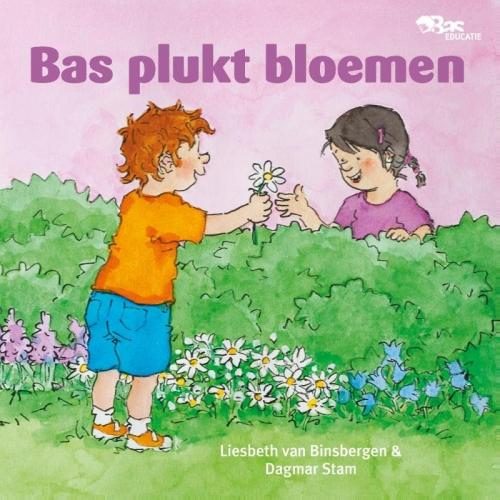 Bas plukt bloemen